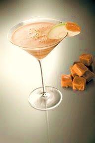 Lifestyle Maven: happy hour: creamy caramel apple martini