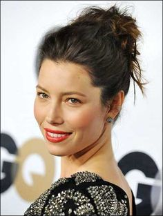 Jessica Biel Messy Hairstyles For Medium Haircut Styles