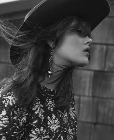 #мода #мода90х #стиль90 #глянец #моднаясъемка #осень2017 #fashion #fashionphoto #fw2017 #elle #mypositivestyles #myps