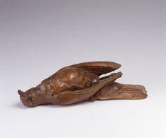 静物(骸) 横田七郎 1929年 平塚市美術館所蔵このたび、武蔵野美術大学 美術館・図書館では、展覧会「近代日本彫刻展 ― A Study of Modern Japanese Sculpture」を開催します。 本展は、西欧の研究者が日本の近代彫刻を紹介するこれまでにない試みとして、エドワード・アーリントン教授(Edward Allington/ロンドン大学スレード校大学院)の協力のもと、リーズ(イギリス)にあるヘンリー・ムーア・インスティテュートによって企画され、同地にて2015年1月18日から4月19日まで開催されました。西欧の視座から日本の近代彫刻とその歴史を見直すことで、日英の双方が「彫刻」についての認識を深める一方で、イギリス展を契機に、西欧においても「近代日本彫刻」が新たな研究分野として確立されることが期待されます。…