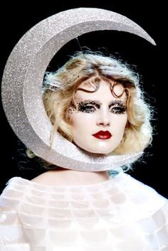 Yes, I am the man in the moon.  - What was Dior thinking?  FW 2011 haute couture