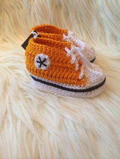 Kosetøfler til baby Baby Shoes, Converse, Beanie, Kids, Shopping, Clothes, Fashion, Young Children, Outfits