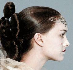 Star Wars: The Phantom Menace- Queen (hair) Reina Amidala, Queen Amidala, Amidala Star Wars, Star Wars Padme, Rapunzel, Star Wars Planets, Anakin And Padme, The Phantom Menace, Anakin Skywalker