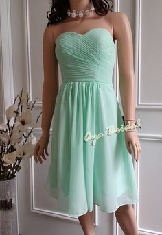 【Dress Description】    Style #: D033MG1  Dress Color: Mint Green(Can do Custom color)  Zip closure at back    If you need to order more than three