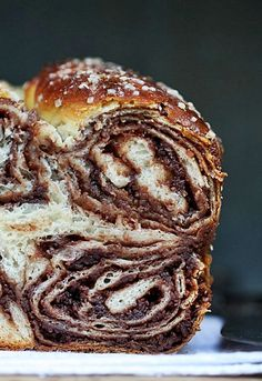 Bread with chocolate? Povitica – Croatian Sweet Walnut Chocolate Bread by passionateaboutbaking Batatas Hasselback, Walnut Bread Recipe, Povitica Bread Recipe, Babka Bread, Bread Recipes, Cooking Recipes, Cooking Tips, Croatian Recipes, Gastronomia