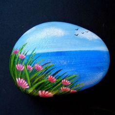 #sassidipinti #sassidipintiamano #dipingeresassi #piedraspindatas #handpainted #rockpainting #stonepainting #stone #stoneart #stoneartwork #hobby #landscape #sea #flowers #summerlandscape #beautiful_stones