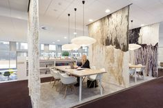 \\\ Oth Architecten incorporated hanging tapestries to create visual and acoustic separation between small meeting spaces. Love it. Provincie-Friesland-9-LoRes \\\