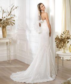 Pronovias presents the Lester wedding dress. Fashion 2014. | Pronovias