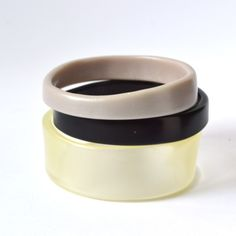 Articoli simili a Resin Bangle Stack - Winterstone - 50% off with code SUPERSALE su Etsy