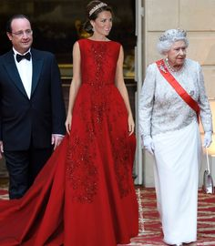 World of Windsor : Photoshop of Catherine put in a photo with the Queen