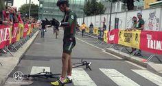 Ciclista Tem Ataque De Fúria Depois De Cair Perto Da Meta e Parte Bicicleta Ao Meio