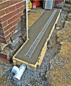 Gardens Discover back patio drainage Side of back room/yard So obvious but dont do it! Landscape Drainage, Yard Drainage, Gutter Drainage, Drainage Grates, Drainage Solutions, Drainage Ideas, Garden Design, House Design, Design Garage