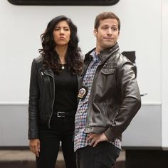 doesn't know what gender stereotypes are. Brooklyn 99 Actors, Brooklyn 9 9, Brooklyn Nine Nine, Jake Peralta, Andy Samberg, New York S, Funny Pics, Hilarious, Tv Shows