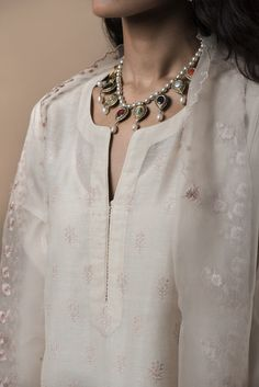 MEHRUNISSA This collection of festive wear features intricate zardozi, dabka and dori embroidery on traditional ensembles. #GoodEarthSustain
