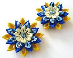 Kanzashi  Fabric Flowers. Set of 2 hair clips. Yellow and door JuLVa