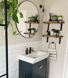 Small Toilet Room, Small Bathroom With Shower, Small Space Bathroom, Bathroom Design Small, Bathroom Interior Design, Small Toilet Design, Small Toilet Decor, Small Spaces, Sinks For Small Bathrooms