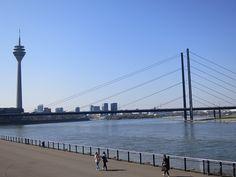 Über-diesen-blog - Düsseldorf Rheinuferpromenade