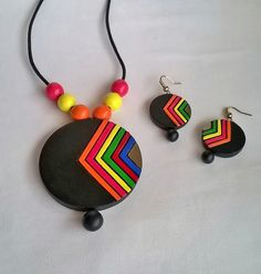 Round Multi-coloredTerracotta Necklace and Ear-hangings set