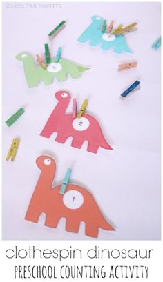 all dino-lovers! Work on number recognition, counting, and fine motor skills with this clothespin dinosaur counting tray!Calling all dino-lovers! Work on number recognition, counting, and fine motor skills with this clothespin dinosaur counting tray! Dinosaur Classroom, Dinosaur Theme Preschool, Dinosaur Activities, Preschool Themes, Preschool Math, Toddler Activities, Dinosaur Printables, Counting Activities, Vocabulary Activities