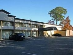 Hampton (VA) Quality Inn Near Hampton Coliseum Hampton United States, North America Quality Inn Near Hampton Coliseum Hampton is a popular choice amongst travelers in Hampton (VA), whether exploring or just passing through. Featuring a complete list of amenities, guests will find their stay at the property a comfortable one. Take advantage of the hotel's Wi-Fi in public areas, car park, pets allowed. Guestrooms are fitted with all the amenities you need for a good night's slee...