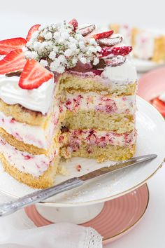Yogurette cake - kitchen deers - Sharing is Caring I basically believe that things that taste particularly good are usually made in - Desserts Français, French Desserts, French Food, Cake Recipes, Dessert Recipes, Polish Recipes, Vegan Cake, Chocolates, Food Cakes