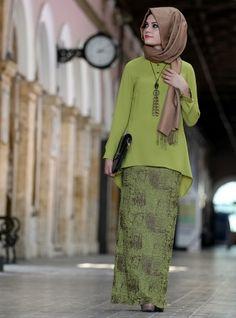 Eva Kalem Etek - Yağ Yeşili- Gamze Polat Islamic Fashion, Muslim Fashion, Modest Fashion, Fashion Dresses, Mode Abaya, Mode Hijab, Kimono Outfit, Hijab Outfit, African Fashion