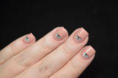 Very elegant nails designed by Tatiana. You can enjoy the beautiful nails here>> http://wishnailspolish.blogspot.ru/2015/08/ladyqueen-3d-nail-art-sticker.html