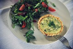 Petites quiches feta, menthe & courgette - The Flying Flour // www.theflyingflour.com