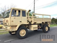 1995 (unverified) Stewart & Stevenson M1078 LMTV 4x4 Cargo Truck