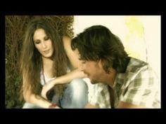 Manuel Carrasco e Malú, Que Nadie. Letra en http://www.musica.com/letras.asp?letra=1694885