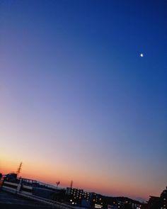 昨日は寒かったけど雪も雨も降らず  #空 #朝空 #夜明け #朝焼け #イマソラ #いまそら #ダレカニミセタイソラ #写真好きな人と繋がりたい #写真撮ってる人と繋がりたい #photo #japan #landscape #日本 #風景 #instagram #igers #igersjp #nature #daybreak #sunrise #sunriselovers #igで繋がる空 #sky #skylovers #skyporn #skypainters #skyscraper  #photooftheday #instasky #instagood