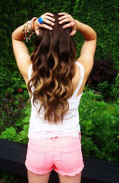 Cute Brown to Blonde Ombre Hair for Thick Hair > i'm getting a haircut and i really want to have this done to my hair but my mom doesn't like ombre!