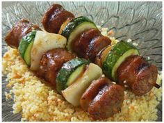 Brochettes de saucisses italiennes, Recette Ptitchef Bbq Skewers, Salty Snacks, Italian Recipes, Italian Foods, Zucchini, Sausage, Appetizers, Favorite Recipes, Vegetables