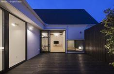 写真 Modern Bungalow, Garage Doors, Outdoor Decor, Projects, Home Decor, Log Projects, Blue Prints, Decoration Home, Room Decor