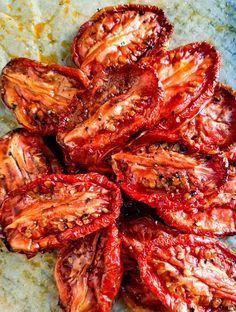 Easy slow roasted tomatoes recipe that turns under ripe roma or plum tomatoes into little gems of sweetness right in your oven! Plum Tomatoes, Roma Tomatoes, Heirloom Tomatoes, Oven Roasted Tomatoes, Roasted Vegetables, Honey Recipes, Veggie Recipes, Vegetarian Recipes, Roma Tomato Recipes