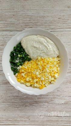 Salată de ouă – Rețete LCHF Tasty, Yummy Food, Pasta Recipes, Grains, Food And Drink, Exercise, Fine Dining, Recipes, Korn