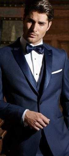12 Rules That Will Clearly Guide You Through Your Tuxedo Decision Mens Fashion Blog, Mens Fashion Suits, Mens Suits, Paris Fashion, Der Gentleman, Gentleman Style, Traje Black Tie, Navy Blue Tuxedos, Blue Suits