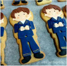 Galletas comunión para niños Gingerbread Cookies, Desserts, Food, Custom Cookies, Gingerbread Cupcakes, Tailgate Desserts, Deserts, Essen, Postres