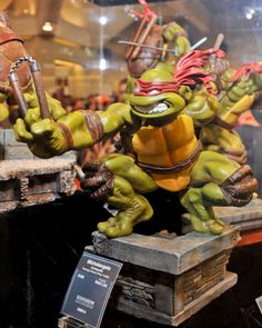 Comic-Con 2010: Sideshow Collectibles TMNT Gallery - Michaelangelo