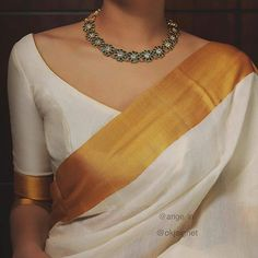 Ultimate 35 Gold Necklace Designs Images Of This Year South India Jewels Kerala Saree Blouse Designs, Blouse Neck Designs, South Indian Blouse Designs, Traditional Blouse Designs, Sari Design, India Design, Stylish Sarees, Trendy Sarees, Simple Sarees