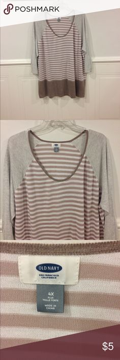 Old Navy 4X top good condition Size 4X Old Navy top good condition Old Navy Tops
