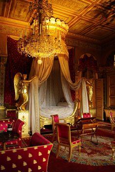 Chambre de l'impératrice, Château de Compiègne, Picardie, France.