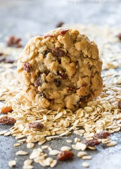 The Best Chewy Oatmeal Raisin Cookie recipe – perfect texture, soft, full of oats, raisins, and nuts. This Chewy Oatmeal Raisin Cookie recipe will surely be your new tried and true oatmeal cookie recipe. Soft Oatmeal Raisin Cookies, Oatmeal Cookie Recipes, Just Desserts, Dessert Recipes, Yummy Recipes, Recipies, Top Recipes, Simple Recipes, Free Recipes