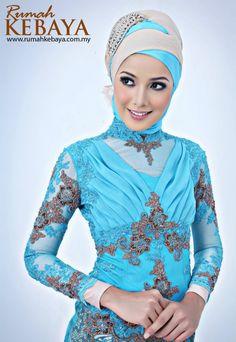 Fashion by: Rumah Kebaya Malaysia (www.rumahkebaya.com.my)