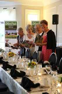 The Table Is Set In Fine Style For Oxford Garden Party Www Oxfordtourism