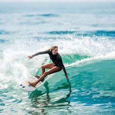 Style Surfer, Surf Style, Surfergirl Style, Surfing Pictures, Skate Surf, Beach Aesthetic, Kundalini Yoga, Burton Snowboards, Surf Girls