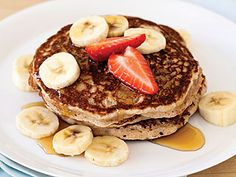 Hungry Girl's Guilt-Free Version of Nigel Barker's Banana Pancakes