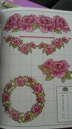 Etamin Cross Stitch Rose, Cross Stitch Flowers, Loom Beading, Bed Covers, Embroidery Patterns, Bullet Journal, Beads, Bed Sheets, Model