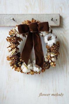 ハンドメイドマーケット minne(ミンネ)  木の実とコットンのクリスマスリース
