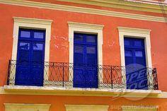 BRAZIL, NEAR RECIFE, OLINDA, COLORFUL HOUSE (4163-18305 / 60049072 © Wolfgang Kaehler)